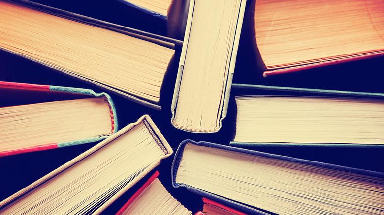 A list of narrative essay components